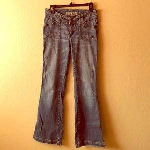 Distressed Hydraulic jeans